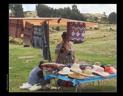 Frontière marchande chapeaux au Perù 12-11-17