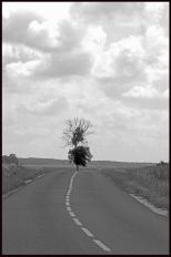 Louin-N&B-sur la Route-Beauce.1997