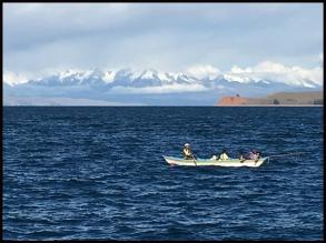 Barque de pêcheurs Titicaca
